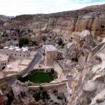 4-vedere panoramica de sus hotel sapat in stanca cappadocia turcia