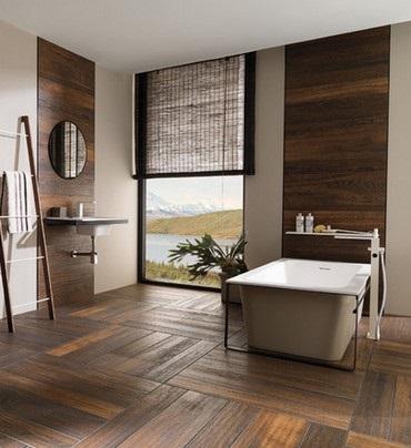 4 exemplu ameajare baie cu pardoseala si portiuni perete placate cu gresie ce imita lemnul