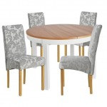 5-asortare scaune tapiterie inflorata cu masa din lemn picioare albe si blat lemn maro