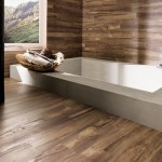 5-baie moderna minimalista finisata cu gresie si faianta ce imita lemnul