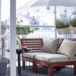 5-balcon frumos amenajat in stil nordic cu umbrela de soare