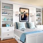 5-biblioteci cu polite si sertare la capul patului din dormitor