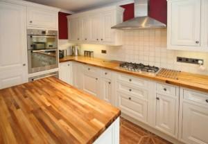 5-blat lemn bucatarie amenajata in stil clasic