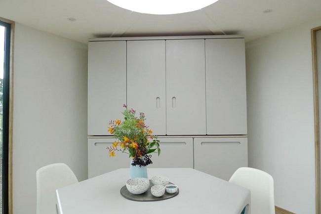 5-bucatarie inchisa casa modulara mica forma de fagure Hivehaus