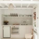 5-bucatarie mica si cocheta casa de vacanta de pe insula Lesvos grecia