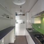 5-bucatarie moderna minimalista cu mobilier desfasurat pe doua laturi paralele