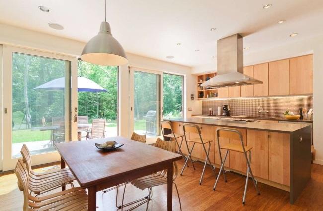 5-bucatarie moderna si loc de luat masa casa moderna prefabricata