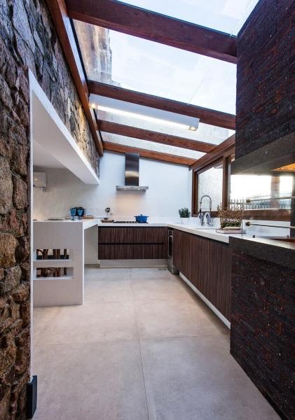bucatarie open space amenajata in balcon mare