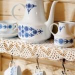 5-bufet cu portelanuri bucatarie casa mica din lemn polonia