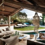 5-canapele loc de relaxare langa piscina casa din piatra Ibiza