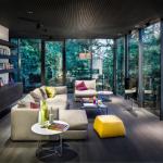 5-coltar crem mare asezat in centrul livingului