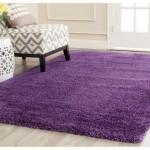 5-covor violet intr-un decor alb si crem