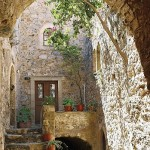 5-curte interioara a unei case din cetatea Monemvasia