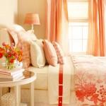 5-dormitor amenajat in nuante pastelate cu accente portocalii