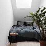 5-dormitor mic si intim amenajat intr-o camera mansardata