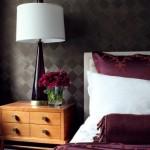 5-dormitor ornat cu tapet decorativ ciocolatiu cu imprimeu in romburi