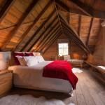 5-dormitor spatios rustic situat in mansarda casei din lemn de 92 mp