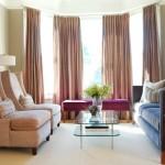 5-draperii-groase-la-ferestre-loc-de-conversatie-amenajat-la-distanta-de-geamuri