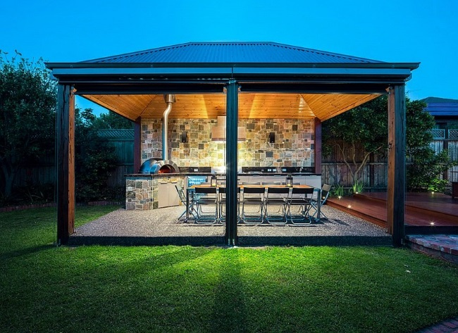5-exemplu bucatarie de exterior amenajata intr-un pavilion cu pereti mobili