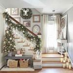 5-idee decorare de Craciun hol cu brad si scara interioara