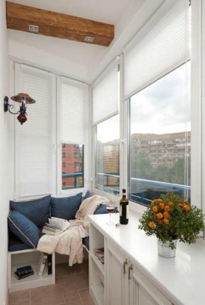 5-idee simpla amenajare balcon mic de apartament cu banca