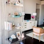 5-living luminos cu etajera de perete din plastic transparent