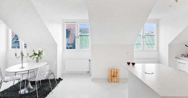 5-loc de luat masa apartament 2 camere mansarda