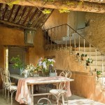 5-loc de luat masa in aer liber casa veche din piatra Provence