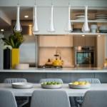 5-loc de luat masa intre living si bucatarie open space apartament 4 camere