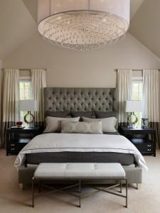5-lustra supradimensionata in decorul unui dormitor