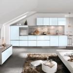 5-mobila moderna bucatarie culoare bleu si argintiu