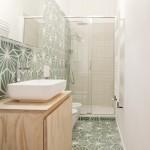 5-model amenajare baie ingusta bloc stil scandinav