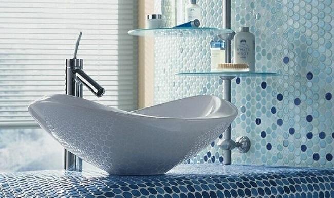 5-mozaic ceramic in nuante de albastru bleu si alb decor baie