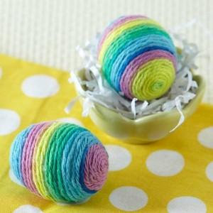 5-oua de paste infasurate in sfori colorate