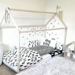 5-patut copil in forma de casuta cu salteaua direct pe podea principii amenajare Montessori