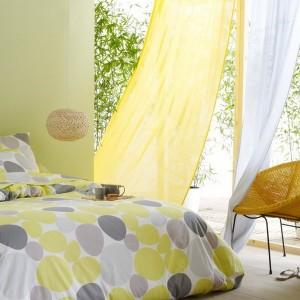 5-perdele vaporoase albe si galben vanilie decor dormitor de vara