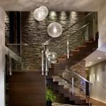 5-perete scara interioara decorat cu piatra naturala gri