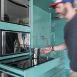 5-plita gatit inductie retractabia integrata in mobilierul de bucatarie