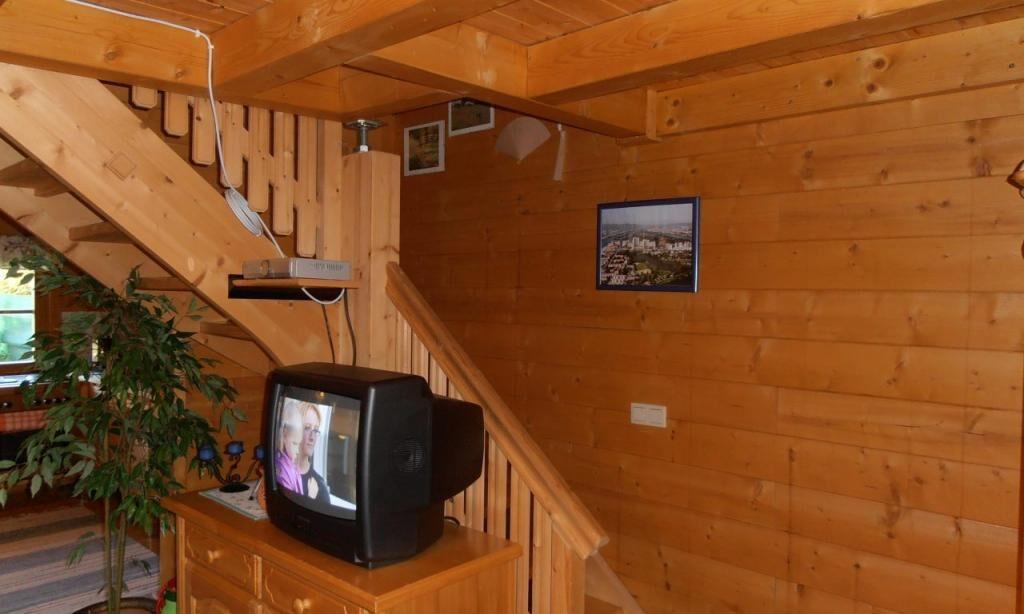 scara interioara casa mica lemn prefabricata
