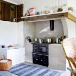 5-soba de fier din bucataria restaurata amenajata in stil rustic scandinav