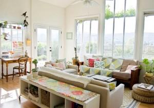 5-sufragerie spatioasa impartita in mai multe zone de activitate