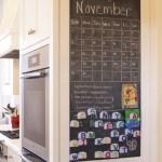 5-tabla de scris in bucatarie pe laterala dulapului in care este incastrat cuptorul