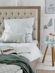 5-tablie de pat mare capitonata detaliu decorativ dormitor relaxant