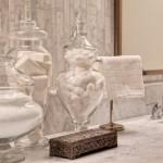 5-vase frumoase din sticla in accesorizarea unei bai moderne
