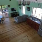 5-vedere de sus living si bucatarie open space casa mica din lemn 65 mp