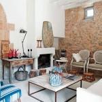 5-zona de relaxare in fata semineului din casa de piatra Mallorca Spania