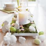 6-aranjament decorativ cu iepurasi lumanari si oua pentru masa de Pasti
