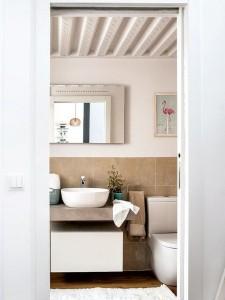6-baie deasupra careia a fost construit un dormitor suplimentar apartament cu tavane inalte