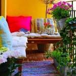 6-balcon mic decorat in culori aprinse