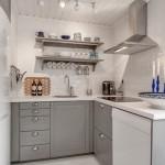 6-bucatarie mobila din lemn culoare gri proiectata pe 3 laturi casa mica 57 mp